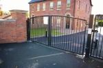 Driveway gate 1.JPG